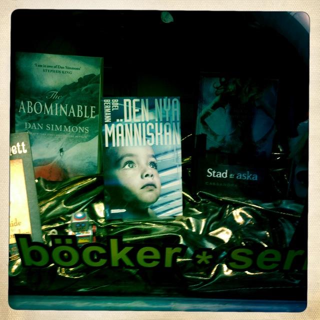 sf bokhandeln den nya människan skyltfönster
