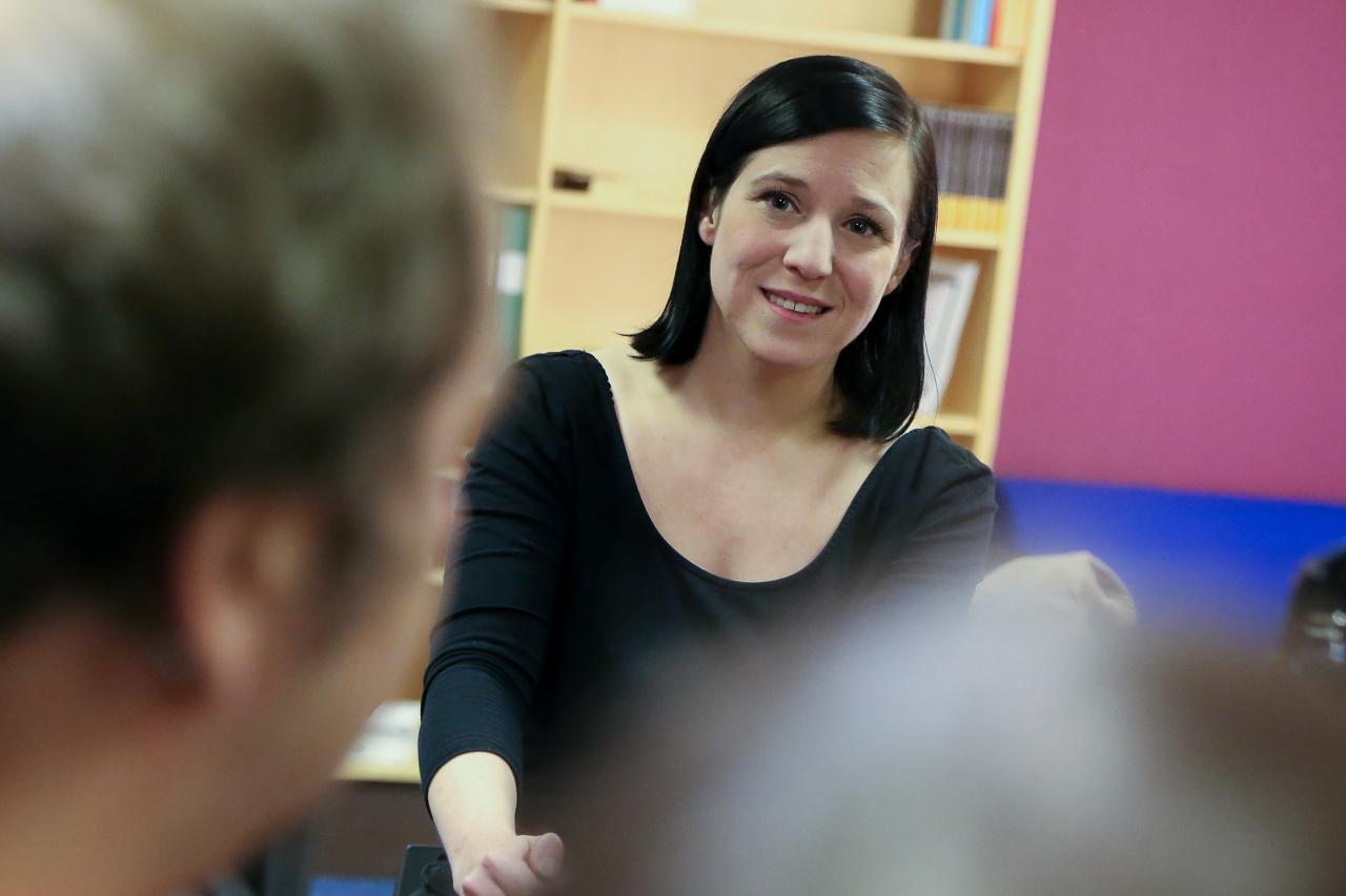 """Författare Boel Bermann gästade biblioteket i Sveg där hon berättade om sin bok """"Den nya människan"""" och gav en hel del skrivartips."""